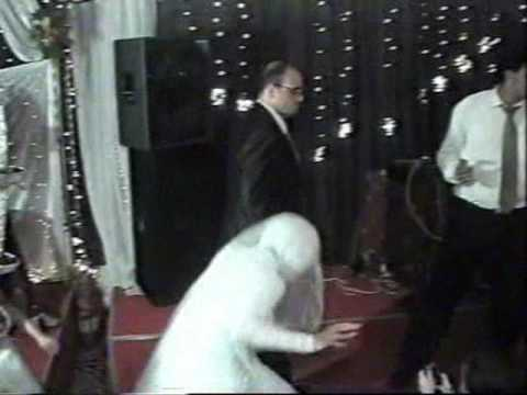 صوت الإمارات - موقف محرج لعروس في حفلة زفافها