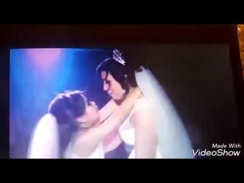 صوت الإمارات - شاهد عروس ترقص مع طفلتها في مشهد مؤثر أبكى الجميع
