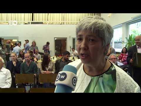 صوت الإمارات - شاهد أول صلاة مختلطة دون حجاب داخل مسجد في برلين