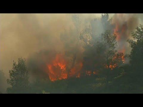 صوت الإمارات - شاهد اشتعال حرائق متعددة في مدن جنوب فرنسا
