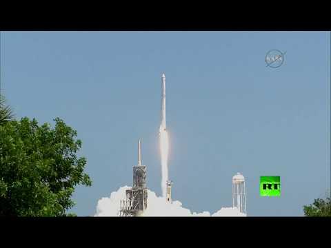 صوت الإمارات - شاهد مركبة دراغون لنقل الشحنات تنطلق إلى المحطة الفضائية