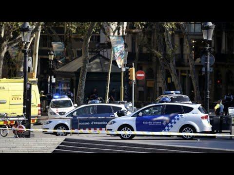 صوت الإمارات - شاهد تفاصيل حادثة دهس عشرات الأشخاص وسط برشلونة