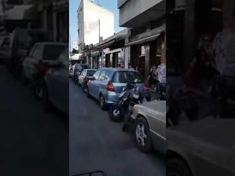 صوت الإمارات - شاهد رد فعل شاب لحظة سرقة لصين هاتفه النقال