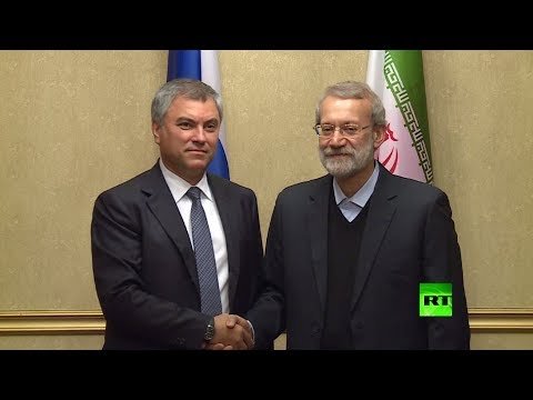 صوت الإمارات - شاهد لحظة لقاء علي لاريجاني مع رئيس مجلس الدوما الروسي فولودين