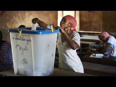 شاهدانتهاء عملية التصويت في مالي وسط إجراءات أمنية مشددة