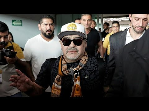 شاهداستقبال حافل لمارادونا في المكسيك