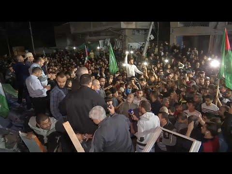 شاهد احتفالات فلسطينية وهدوء حذر مع توقّف إطلاق النار في غزة
