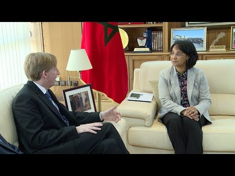 شاهد السيدة بوستة تجري مباحثات مع وزير التربية في إقليم نيو برونسويك