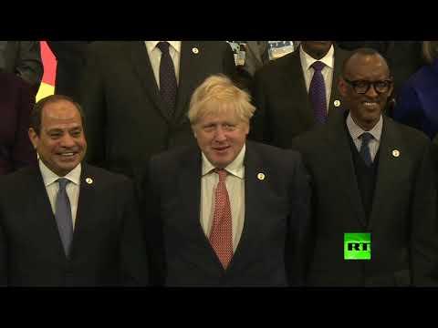 شاهد صورة جماعية لقادة الدول المشاركة في قمة الاستثمار الإفريقية البريطانية