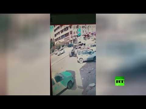 شاهد لقطات مُرعبة لقاطرة تدهس دراجة نارية في صنعاء اليمنية