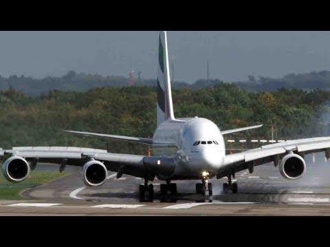 plane makes terrifying landing in düsseldorf