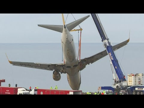 plane which skidded off runway in turkey rescued by large crane