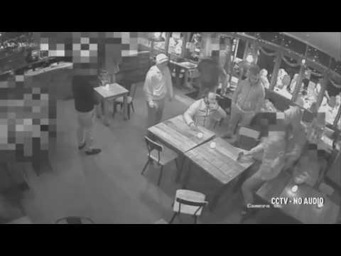 صوت الإمارات - شاهد لقطات مروعة لاختطاف شاب من حانة مزدحمة