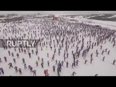 صوت الإمارات - 10 آلاف شخص يشاركون في السباق قرب موسكو