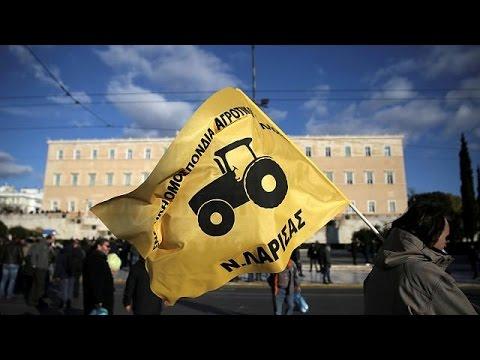 صوت الإمارات - المزارعون اليونانيون يحتجون على زيادة الضرائب