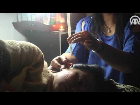 صوت الإمارات - شاهد  أغرب طريقة لتنظيف الأذن