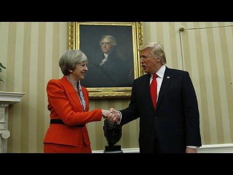 صوت الإمارات - بالفيديو تقديم عريضة ضد زيارة دونالد ترامب إلى مجلس العموم البريطاني