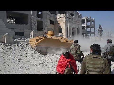 صوت الإمارات - شاهد المعارضة السورية تسيطر على مدينة الباب في الشمال