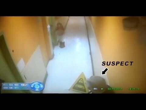 صوت الإمارات - بالفيديو مسن يحاول استدراج طفلة إلى حمام الرجال
