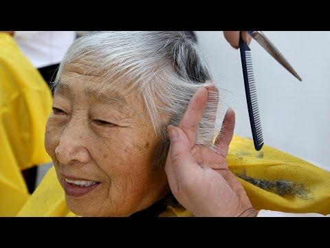 صوت الإمارات - شاهد كل 4 ثواني شخص يبلغ من العمر 60 عامًا