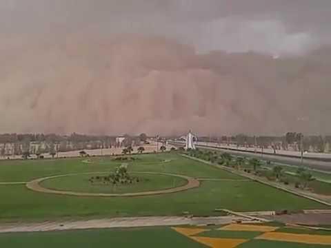 صوت الإمارات - شاهد لحظات مروعة للعاصفة مدار