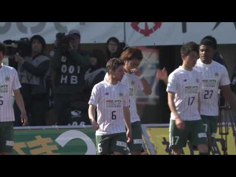 صوت الإمارات - شاهد فريق ياباني يغير قميص اللاعبين بين شوطى المباراة