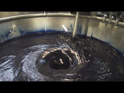 صوت الإمارات - شاهد كيفية إعادة تدوير المياه المستخدمة في صباغة الأقمشة