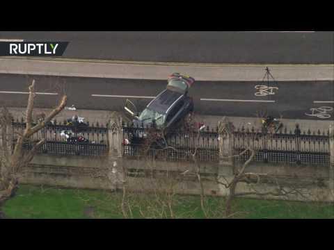 صوت الإمارات - تصوير جوي للسيارة التي استخدمها منفذ هجوم لندن