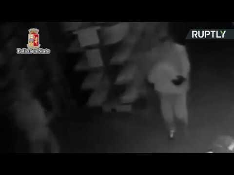 صوت الإمارات - اعتقال 10 أفراد من لصوص جبنة بارمزان