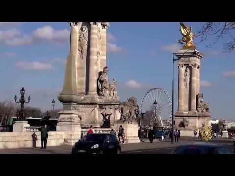 صوت الإمارات - شاهد عربات التوكتوك تملأ شوارع العاصمة الفرنسية