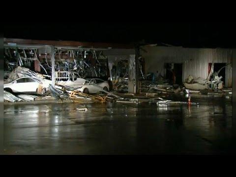 صوت الإمارات - شاهد أعاصير تضرب تكساس وتخلف خسائر في الأرواح وأخرى مادية