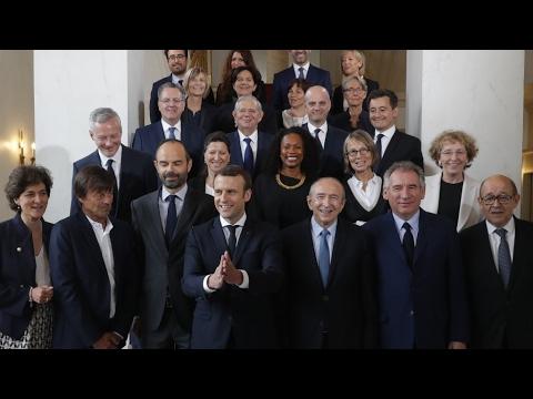 صوت الإمارات - شاهد  الرئيس ماكرون يدعو الوزراء إلى التضامن
