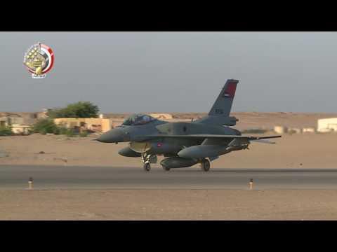 صوت الإمارات - شاهد اللقطات الأولى للغارات الجوية المصرية على درنة