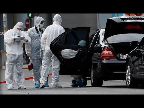 صوت الإمارات - شاهد  إصابة رئيس الوزراء اليوناني الأسبق في التفجير الأخير