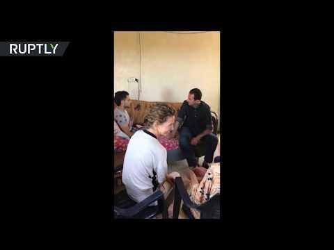 صوت الإمارات - الأسد رفقة قرينته يزوران عائلة جريح في ريف حماة