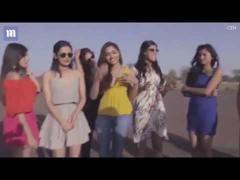 صوت الإمارات - شاهد عارضات أزياء يعرضن أنفسهن للخطر أسفل طائرة