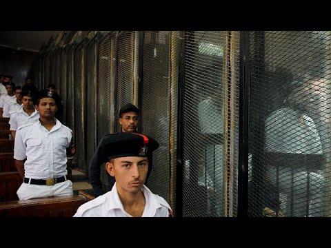 صوت الإمارات - شاهد إعدام 28 مصريًا لتورطهم في حادث اغتيال النائب العام السابق