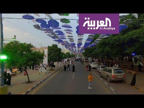 صوت الإمارات - شاهد 30 ألف زائر يوميًا لشارع الفن في أبها