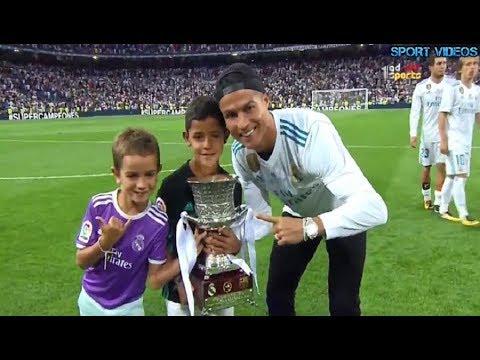 صوت الإمارات - شاهد لقطة اليوم لاحتفال رونالدو مع ابنه بلقب السوبر