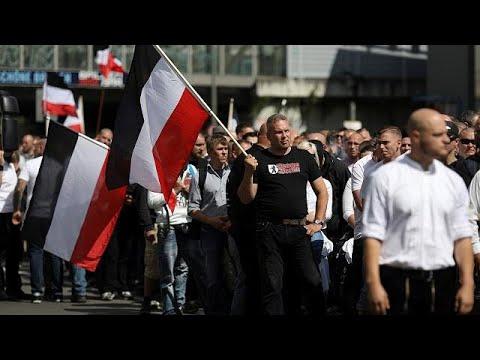 صوت الإمارات - مسيرة مناهضة لهتلر في برلين