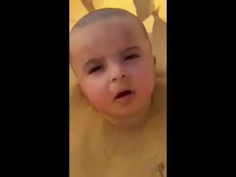 صوت الإمارات - شاهد دفن طفل سعودي حيا في الرمال والسلطات تدين الواقعة