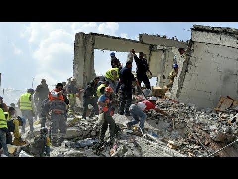 صوت الإمارات - شاهد أكثر من مائتي قتيل في زلزال مدمر في المكسيك