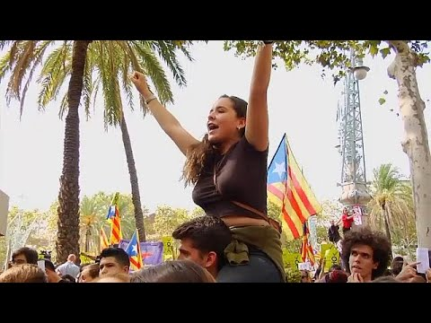 صوت الإمارات - شاهد كاتالونيا تتحدّى حملة إسبانيا لوأد استفتاء الانفصال