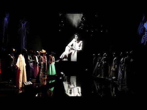 صوت الإمارات - شاهد متحف يحتفي بمصمم الأزياء إيف سان لوران