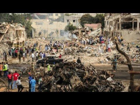 صوت الإمارات - شاهد ارتفاع حصيلة اعتداء مقديشو إلى 137 قتيلاً على الأقل