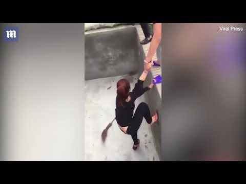 صوت الإمارات - شاهد فأر يطارد سيدة بطريقة مرعبة