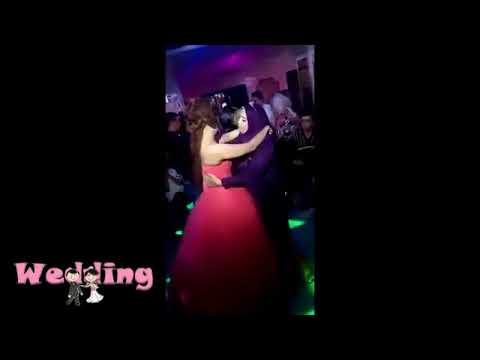 شاهد انهيار عروس من البكاء بعد رقصة مع والدتها
