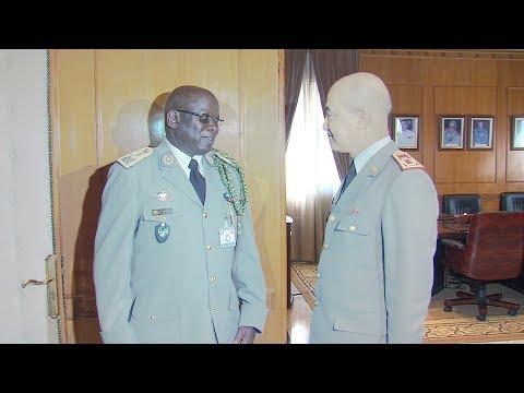 شاهد الجنرال دوكور دارمي يستقبل قائد الأركان العامة للجيش السنغالي