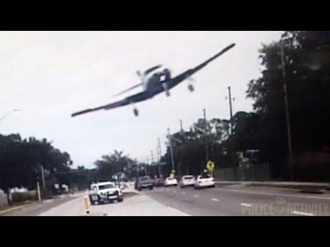لحظة تحطم طائرة صغيرة في فلوريدا