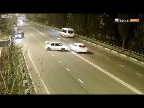 شاهد راكب يندفع من نافذة سيارة تعرّضت إلى حادث خطير